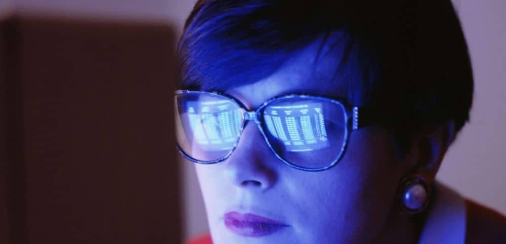 Saviez-vous que la lumière bleue des écrans est très dangereuse à tous points de vue ?